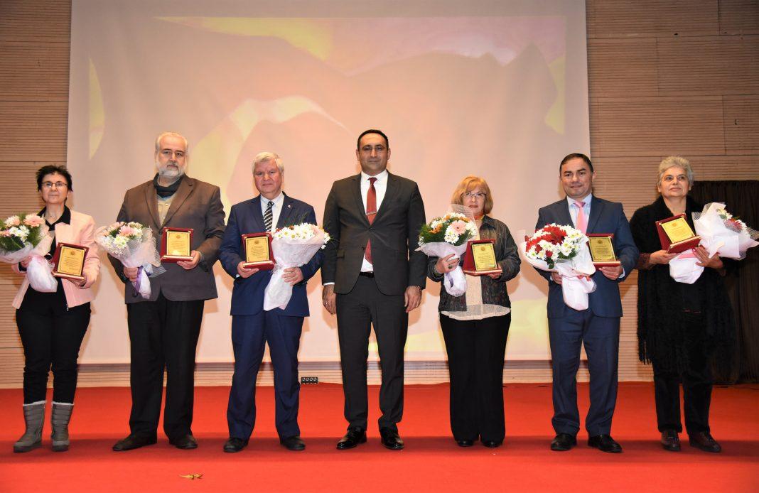 foto 1 2 1 ŞİİR YARIŞMASINA REKOR BAŞVURU