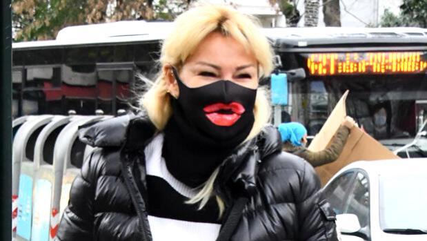 pinar altug un dudakli maskesi 13833562 osd PINAR ALTUĞ'UN MASKESİ DİKKAT ÇEKTİ!
