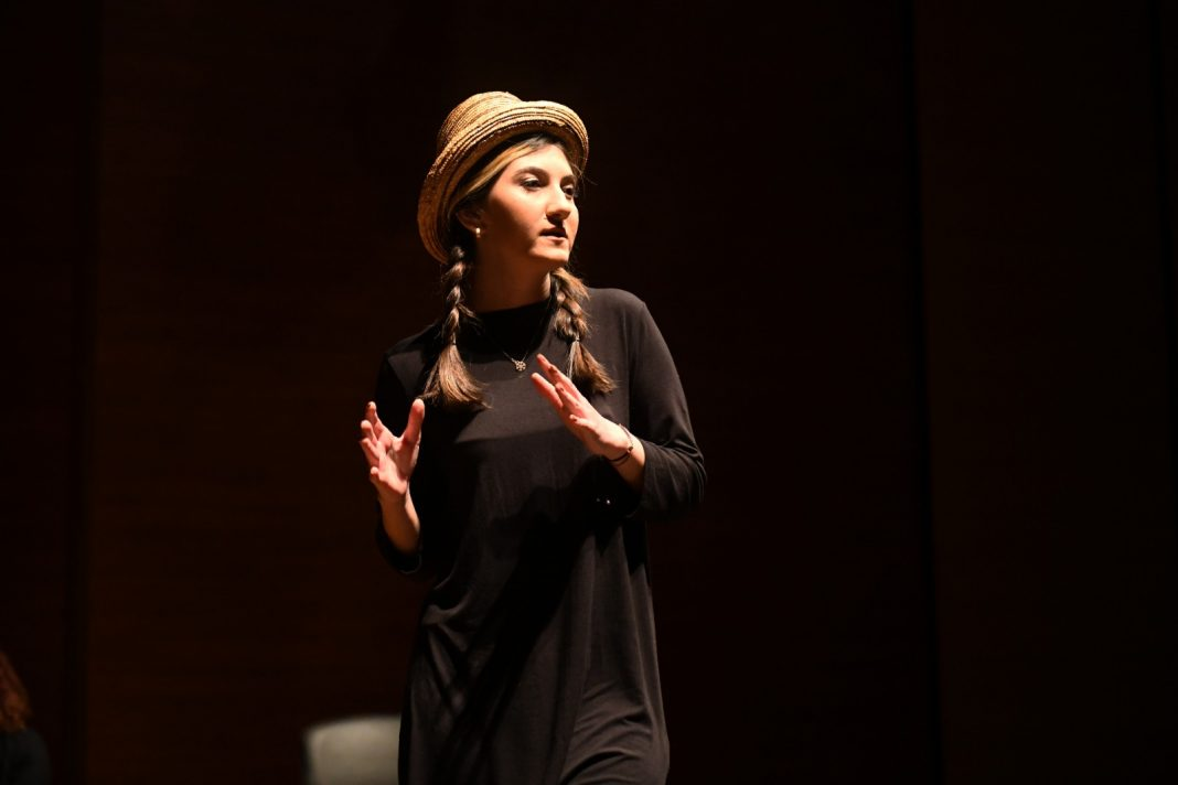 Mersinin Kadinlari Tiyatroda sahnelendi 7 MERSİN'İN KADINLARI TİYATRODA SAHNELENDİ