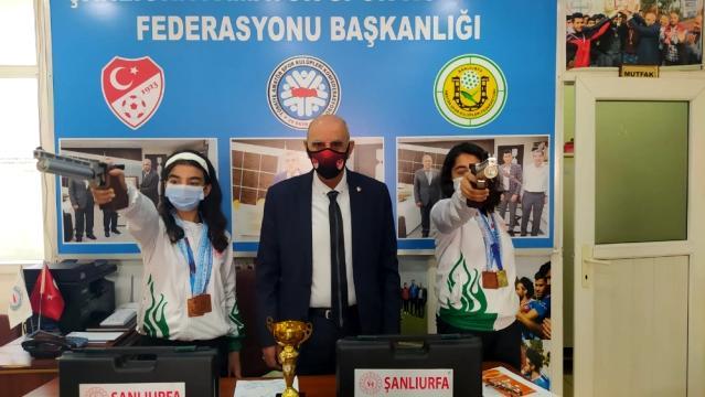 sanliurfali sporcular turkiye rekoru kirdi 14019446 osd ŞANLIURFALI SPORCULAR TÜRKİYE REKORU KIRDI