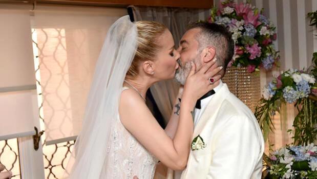tugba ozerk evlendi 14233865 osd TUĞBA ÖZERK EVLENDİ